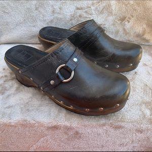 Frye Carla o ring mule clogs women's shoes 8.5